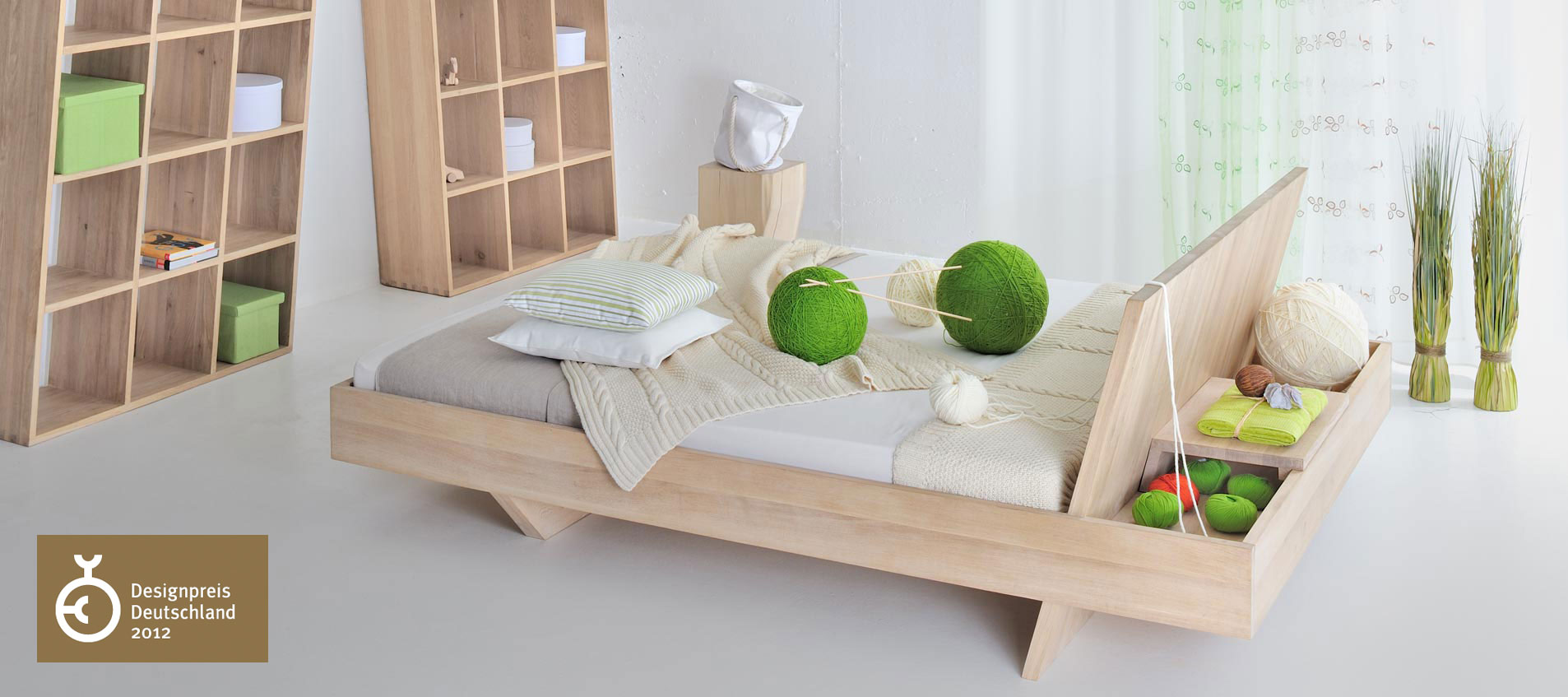 Somnia bed